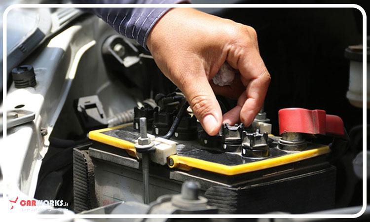 5 عامل کاهش دهنده عمر باتری ماشین - افزایش عمر باتری ماشین